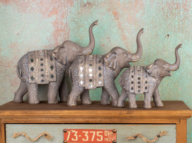 Elephants in Decoration: What do they mean and how to use them?